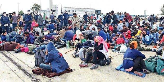 Flüchtlinge sollen Geld bekommen