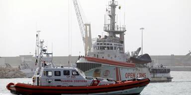 Flüchtlingsboot beschlagnahmt