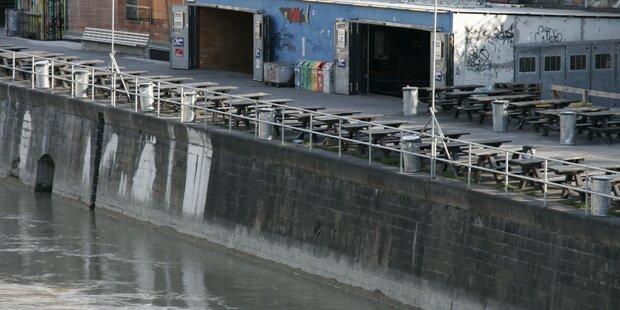 Mann aus Donaukanal gerettet: Außer Lebensgefahr