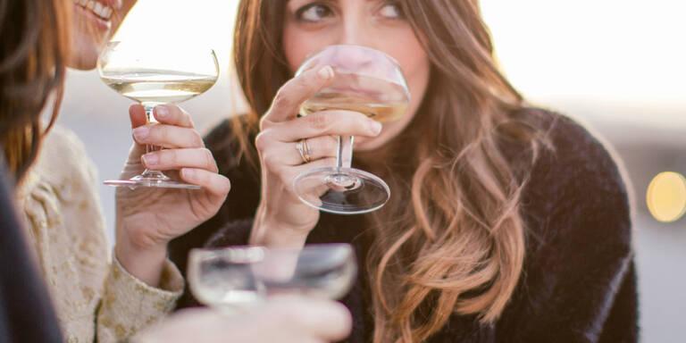 15 Flirtfehler, die JEDE Frau macht