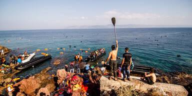 Flüchtlings-Boot mit 600 Menschen gekentert - 29 tot