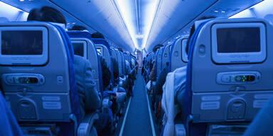 Flugzeug Nacht
