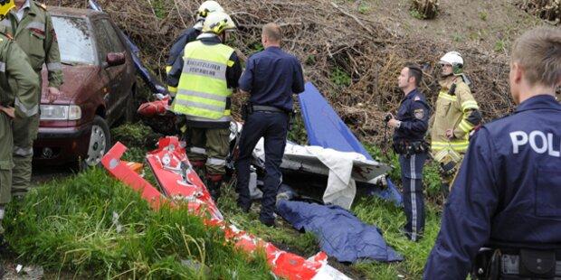 Absturz von Kleinflugzeug: Pilot tot