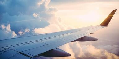Flugzeug, Tragfläche - ADV - Smava - SEOCon
