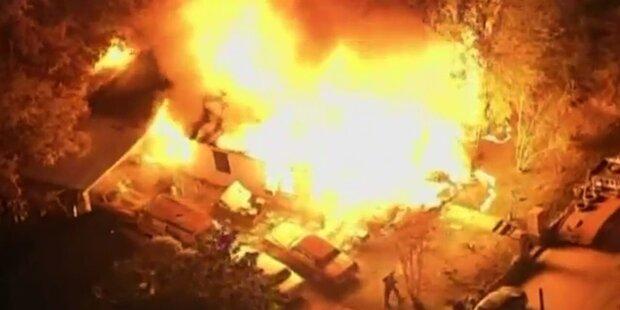 Großbrand: Flugzeug kracht in Wohnhaus