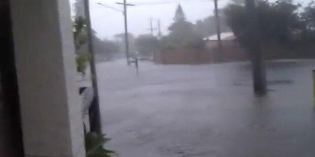 Amateurvideo zeigt Flut in Australien