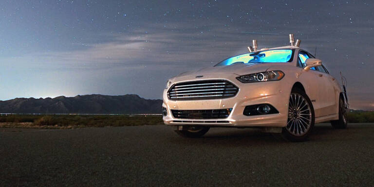 Autonomer Ford meistert Nachtfahrt