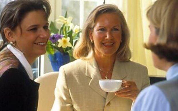 Kaffeetratsch ist Männersache - Frauen trinken Tee