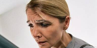 Frauen spüren eher Atemnot und Rückenschmerzen