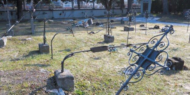 5 Burschen als Friedhof-Schänder