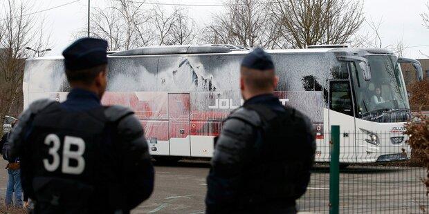 Attacke auf Busse von Front-National-Anhängern