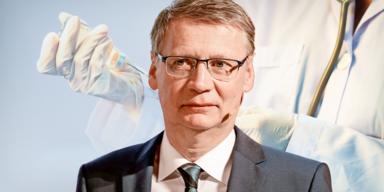 Hass-Attacken auf Günther Jauch wegen Impfkampagne