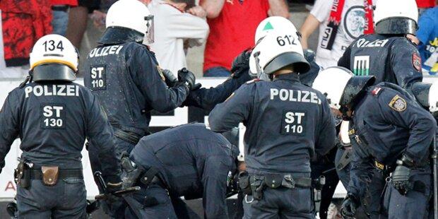 GAK-Platzsturm: Prozess gegen Polizist