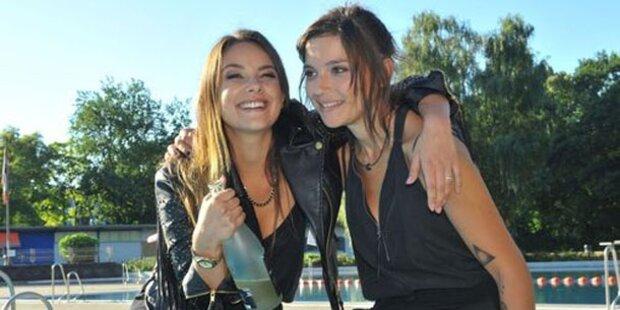 Lesbische Anni reißt sich die Nächste auf