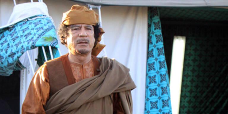 Gaddafi versteckt sich in Spitälern