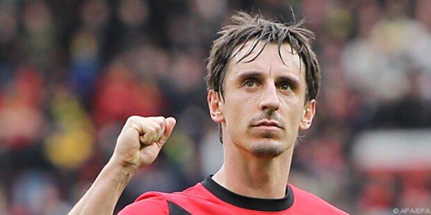 Gary Neville verlängerte bei Manchester United