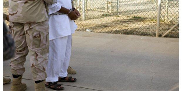 Häftlinge in Mexiko kreuzigen sich