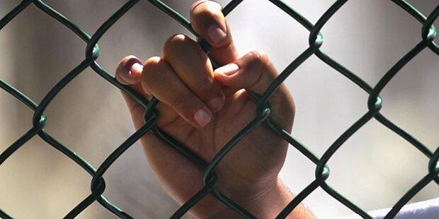 Polizei vergisst Studenten in Zelle