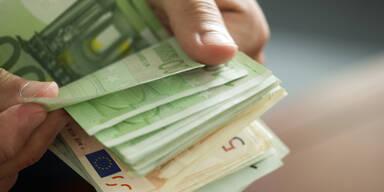 Sozialbetrug: Frau ergaunert 10.000 Euro