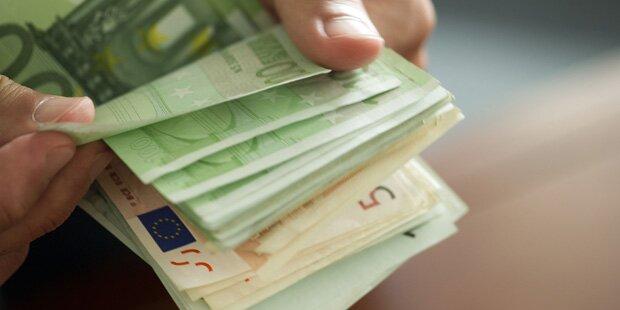Falsche Polizistin knöpfte 20-Jährigem Geld ab