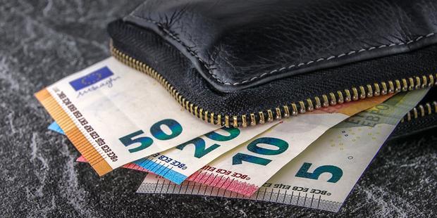 83 Superreiche wollen freiwillig mehr Steuern zahlen