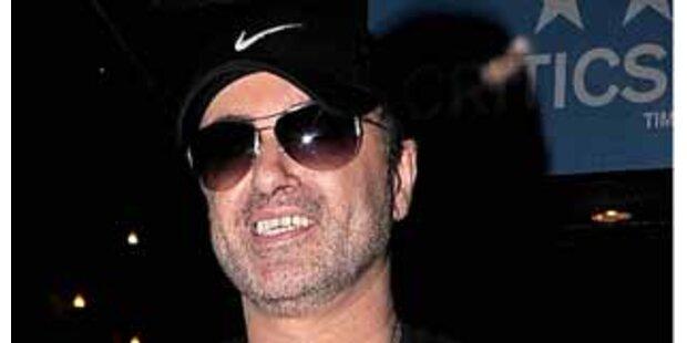 George Michael entschuldigt sich bei seinen Fans