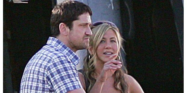 Aniston & Butler: Heimliche Küsse am Set