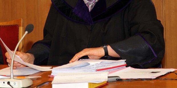 Anwalt will keine Ausländer verteidigen