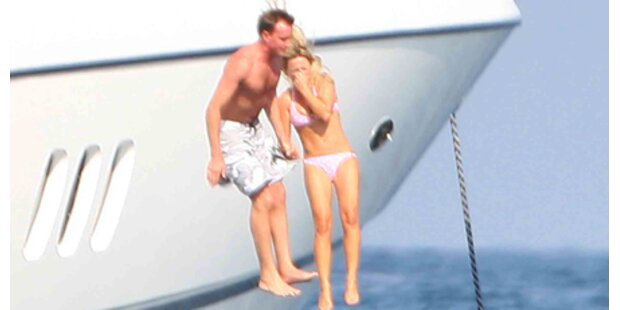 Geri Halliwell springt von der Yacht