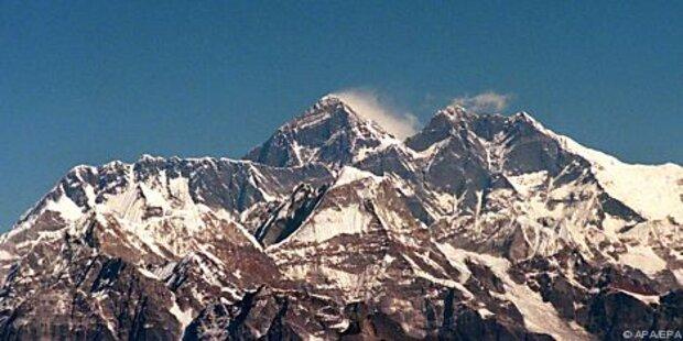 Verstreuen von Hillarys Asche auf Everest abgesagt