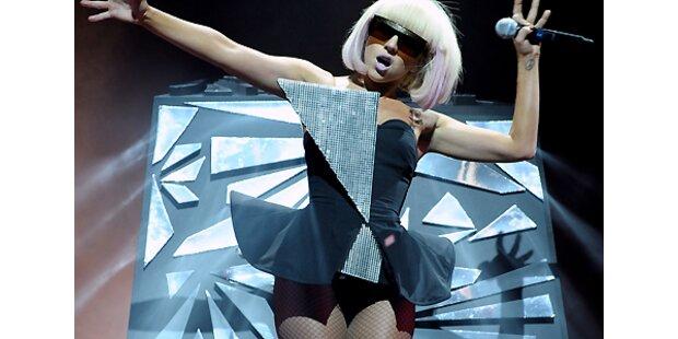 Lady Gaga signiert Penis!