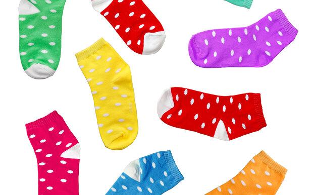 So wird aus einer Socke ein Mundschutz