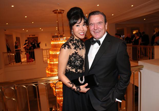 Gerhard Schröder mit Ehefrau