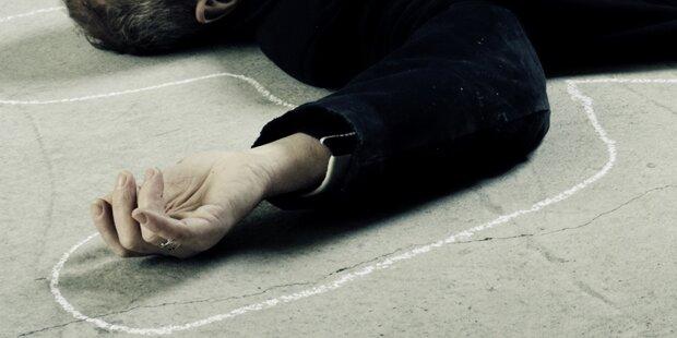Behörden ließen Toten 12 Tage in Wohnung liegen