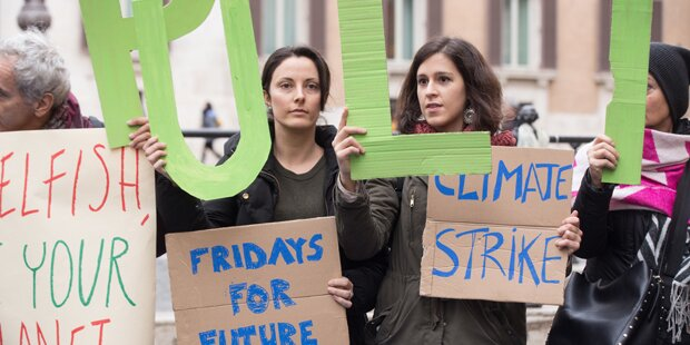 Demo Freitag Wien Detail: Dürfen Schüler Für Klima-Demo Am Freitag Schule Fernbleiben?