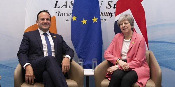 London und Dublin vereinbaren neue Gespräche über Nordirland