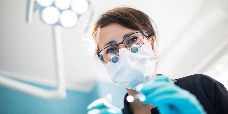 Coronavirus: WHO empfiehlt Verschiebung nicht akuter Zahnarztbesuche