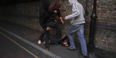 Attacke Jugendbande Prügel Schlägerei