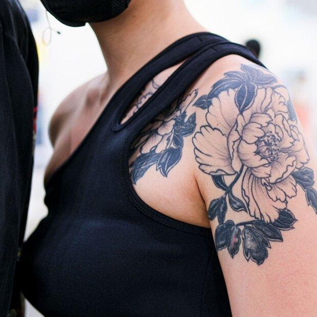 Tattoo frauen dezente für Dezentes Tattoo: