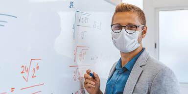 Lehrer Coronavirus MAske