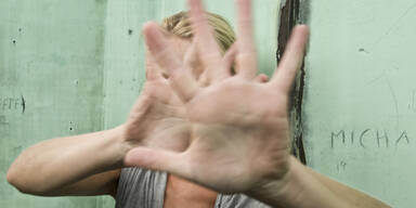 Attacke Angriff Missbrauch Frau Angst