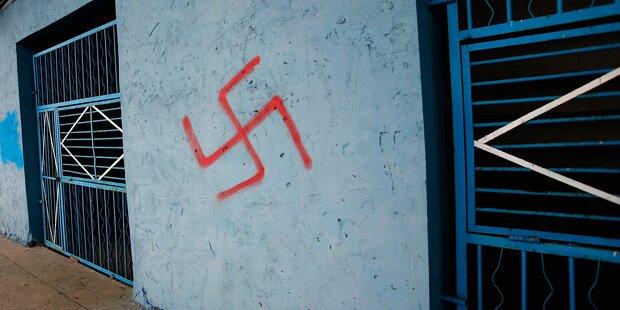 Burschen besprühten Tiroler Schule mit Nazi-Symbolen