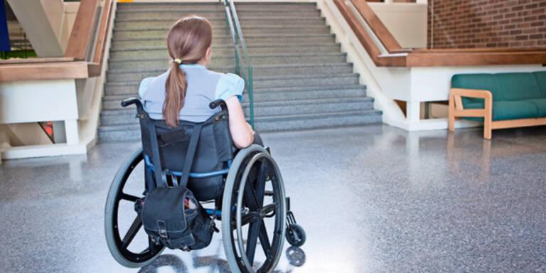 Chauffeur missbrauchte behindertes Mädchen (15)