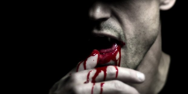 """Mädchen von """"Vampir"""" attackiert und gebissen"""