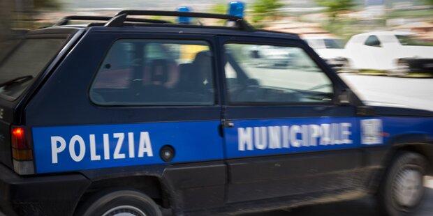 Sex auf der Straße: Salzburger Paar in Lignano angezeigt