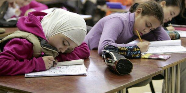 Fix: Klage gegen Kopftuchverbot