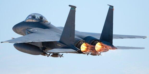 F-16-Kampfjet in Lagerhalle in den USA gestürzt