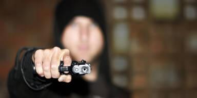Jugendlicher Pistole