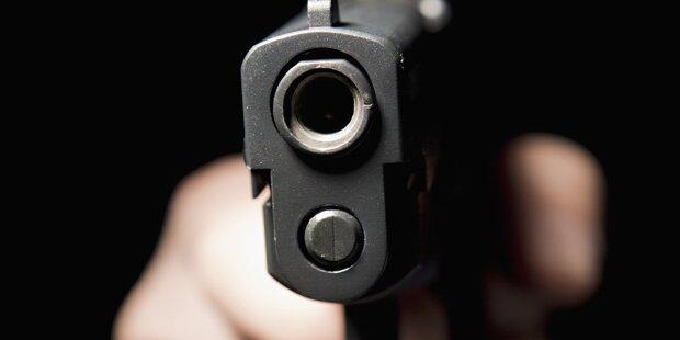 Prozess: Passanten für YouTube-Gag mit Pistole bedroht
