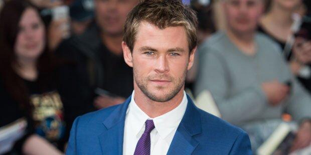Chris Hemsworth wird zum sexy Sekretär